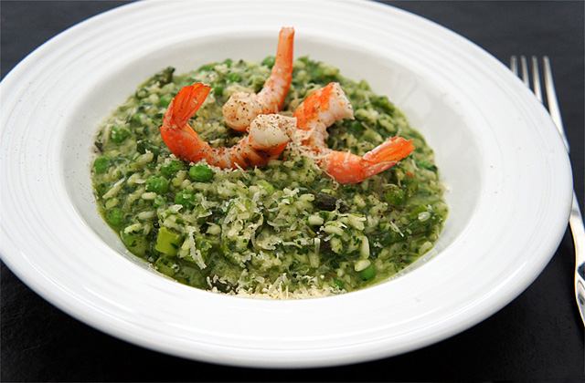 Risotto Verde - Green Risotto with Asparagus and Peas